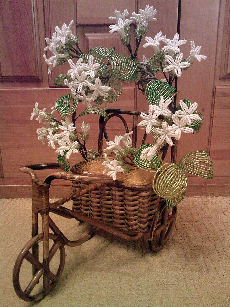 Цветы из бисера - Каталог изделий - Персональная выставка изделий из бисера.